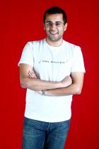 chetan_bhagat_05